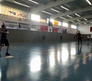 Thumbnail zu EF-Sportkurse feiern Weihnachten mit Baseball-Turnier