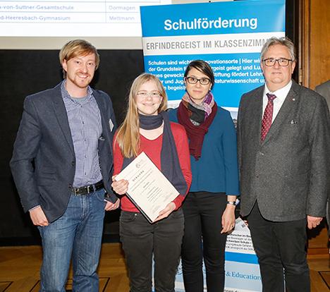 Thumbnail zu Junge Chemikerin bei den Besten NRWs