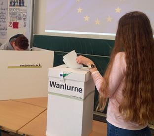 Thumbnail zu Jetzt wird gewählt: Juniorwahl am AMG